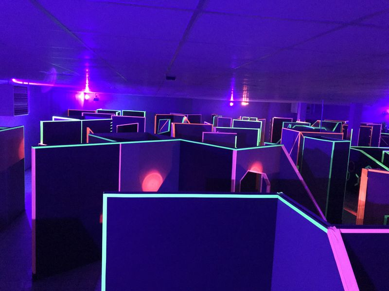 Indoor laser tag play facility equipment manufacturer
